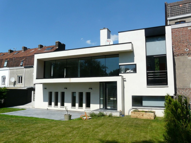 Maison de ville ultra contemporaine construction for Maisons contemporaines