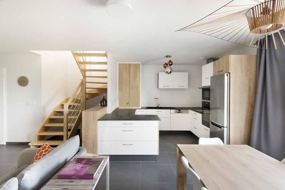 maison bois contemporaine en haute savoie 74 construction contemporaine. Black Bedroom Furniture Sets. Home Design Ideas