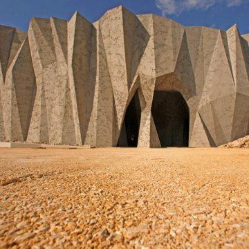 La caverne du Pont d'Arc et son utilisation originale du béton en architecture