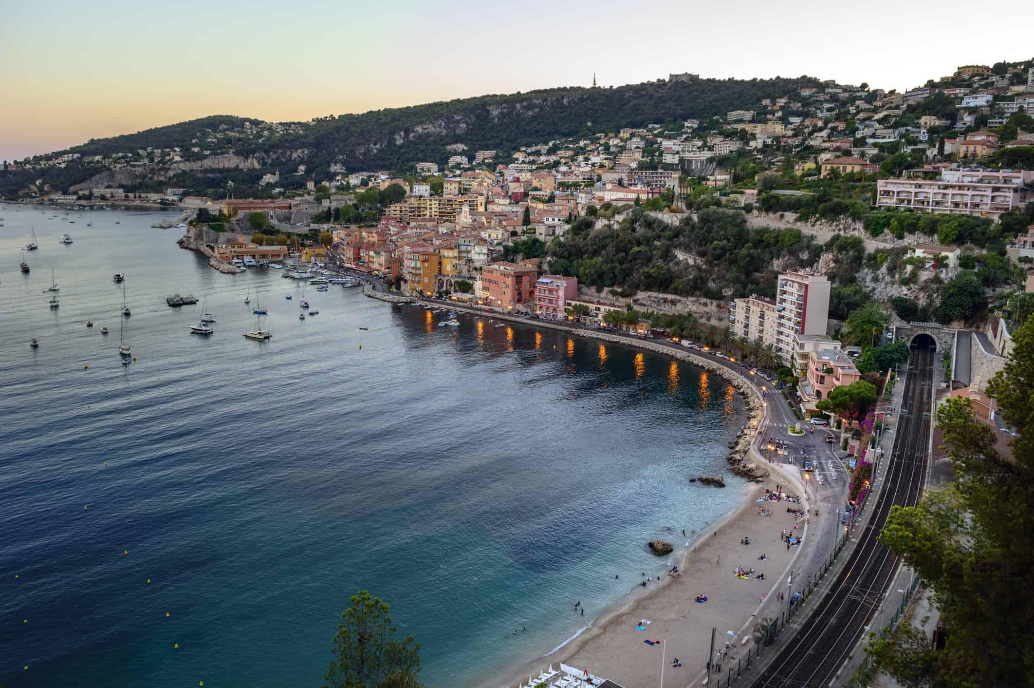 Panorama de Cannes et de la mer Méditerranée