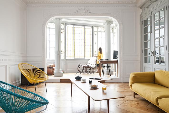 Grand appartement lumineux décoré de façon vintage