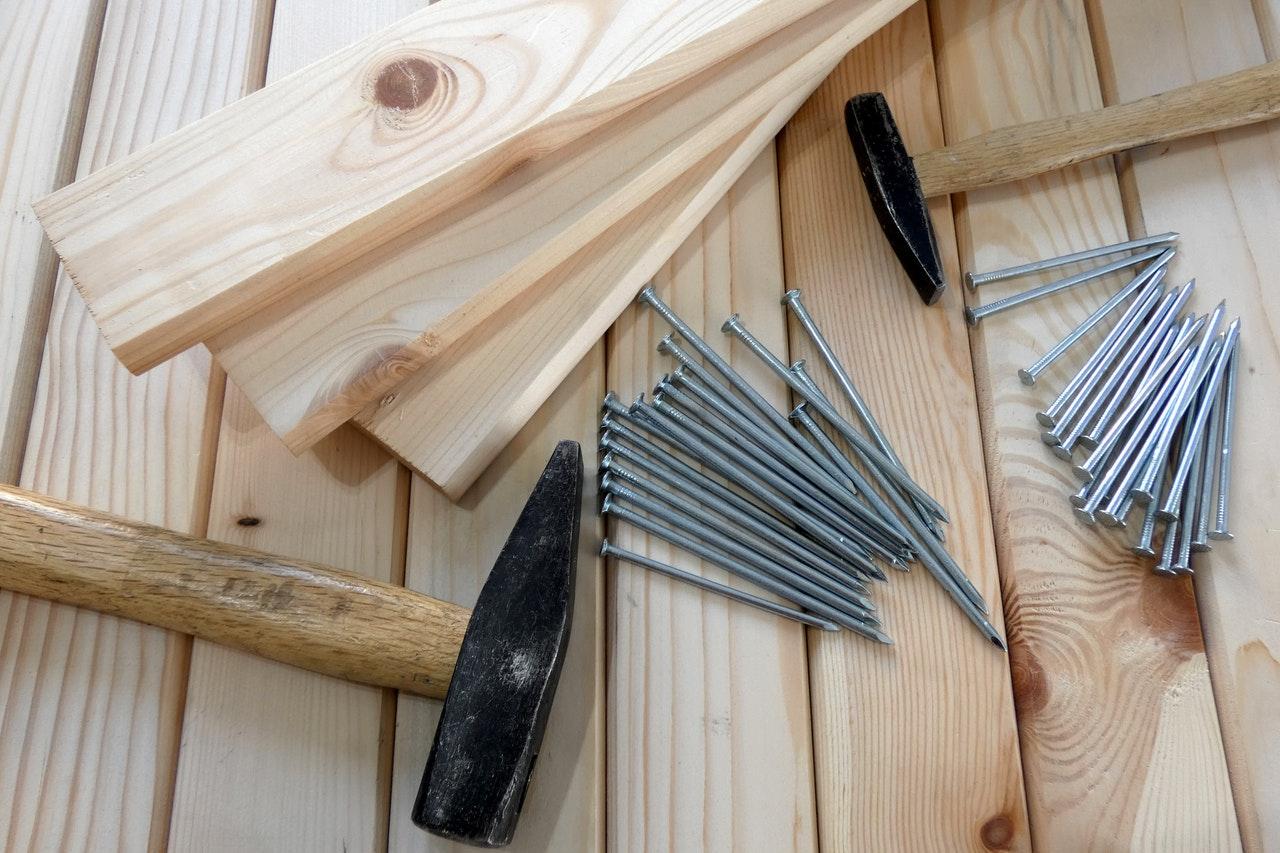 Outils et planches de bois