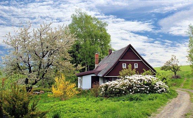 maison contemporaine dans la campagne